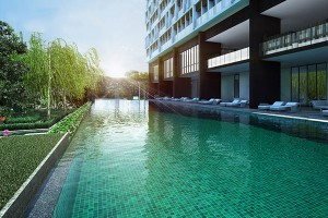 Noble-Ploenchit-Bangkok-condo-for-sale-swimming