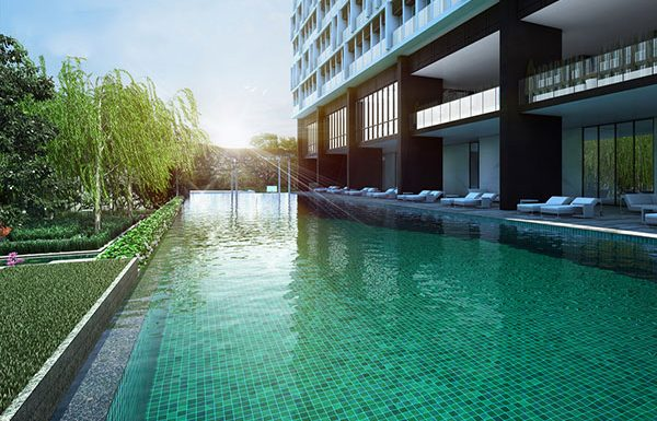 Noble-Ploenchit-Bangkok-condo-for-sale-swimming
